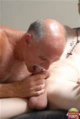 More OLD MAN GIVING BLOWJOBS TO TWINKS , CLICK HERE